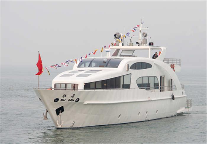 酷玩直播体育造船公司建造的牡丹号游艇3.jpg